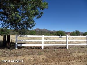 17834 S PINON Lane, Peeples Valley, AZ 86332