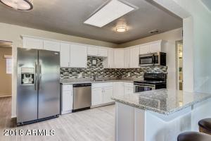 817 N 28TH Street, Phoenix, AZ 85008