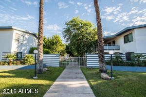 749 E Montebello Avenue, 124
