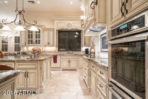 Top of the line Appliances, Double Ovens, Microwave Drawer