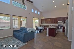 2111 W BLAYLOCK Drive, Phoenix, AZ 85085