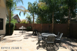 588 W FREMONT Drive, Tempe, AZ 85282