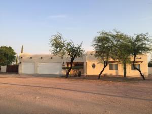 10727 E FENIMORE Road, Mesa, AZ 85207
