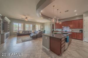 9563 W HARMONY Lane, Peoria, AZ 85382
