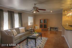8914 N 17TH Drive, Phoenix, AZ 85021