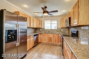 10451 W WININGER Circle, Sun City, AZ 85351