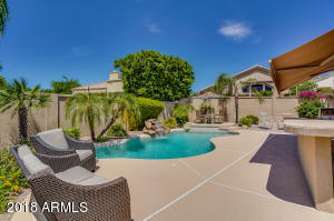 Come enjoy your own swimming pool, BBQ & yard