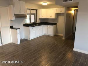 8407 W ROMA Avenue, Phoenix, AZ 85037