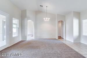 7611 W GARDENIA Avenue, Glendale, AZ 85303