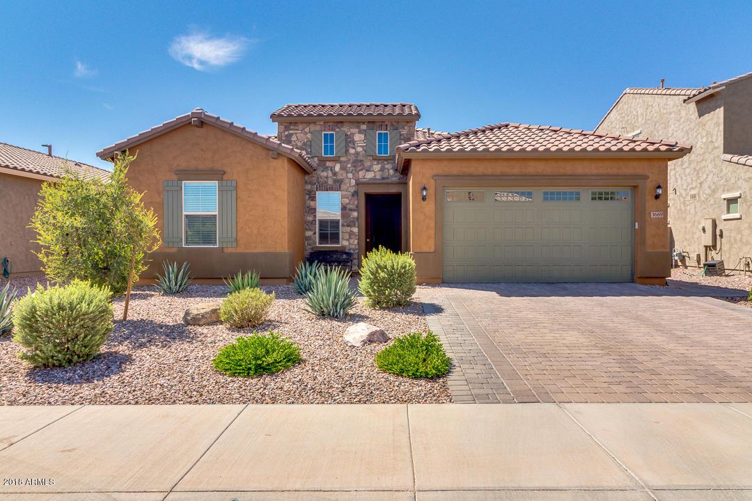Photo of 3669 E Donato Drive, Gilbert, AZ 85298