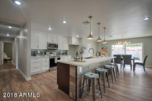 8517 E PINCHOT Avenue, Scottsdale, AZ 85251