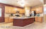 Spacious Kitchen with lots of cabinets