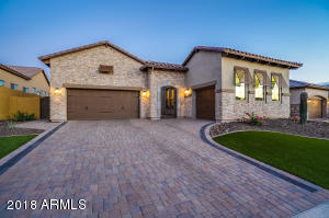 2303 N ESTATES Circle, Mesa, AZ 85207