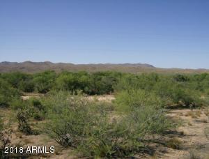 13700 S Date Creek Road, Congress, AZ 85332