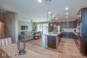 2427 W GLORIA Lane, Phoenix, AZ 85085