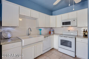 8046 E OAK Street, Scottsdale, AZ 85257