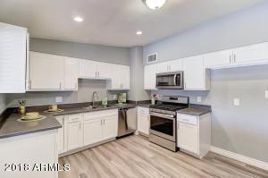 7460 W CINNABAR Avenue, Peoria, AZ 85345