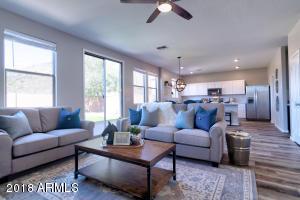 1640 E CIELO GRANDE Avenue, Phoenix, AZ 85024
