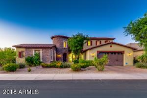 2822 E WARBLER Road, Gilbert, AZ 85297