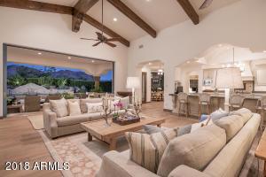 8329 N RIDGEVIEW Drive, Paradise Valley, AZ 85253