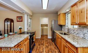 10512 W ROUNDELAY Circle, Sun City, AZ 85351