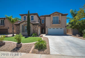 921 E CANYON Way, Chandler, AZ 85249