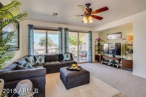 270 W TWIN PEAKS Parkway, San Tan Valley, AZ 85143