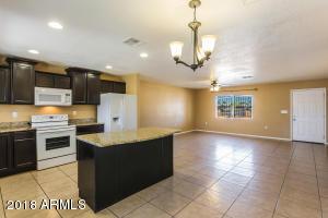 4050 N 77TH Avenue, Phoenix, AZ 85033