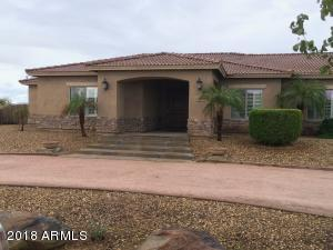 1704 E LOVELAND Lane, San Tan Valley, AZ 85140