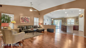 2806 E SAGUARO PARK Lane, Phoenix, AZ 85024