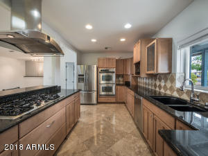 Granite Countertops, Gas cooktop, Double ovens!