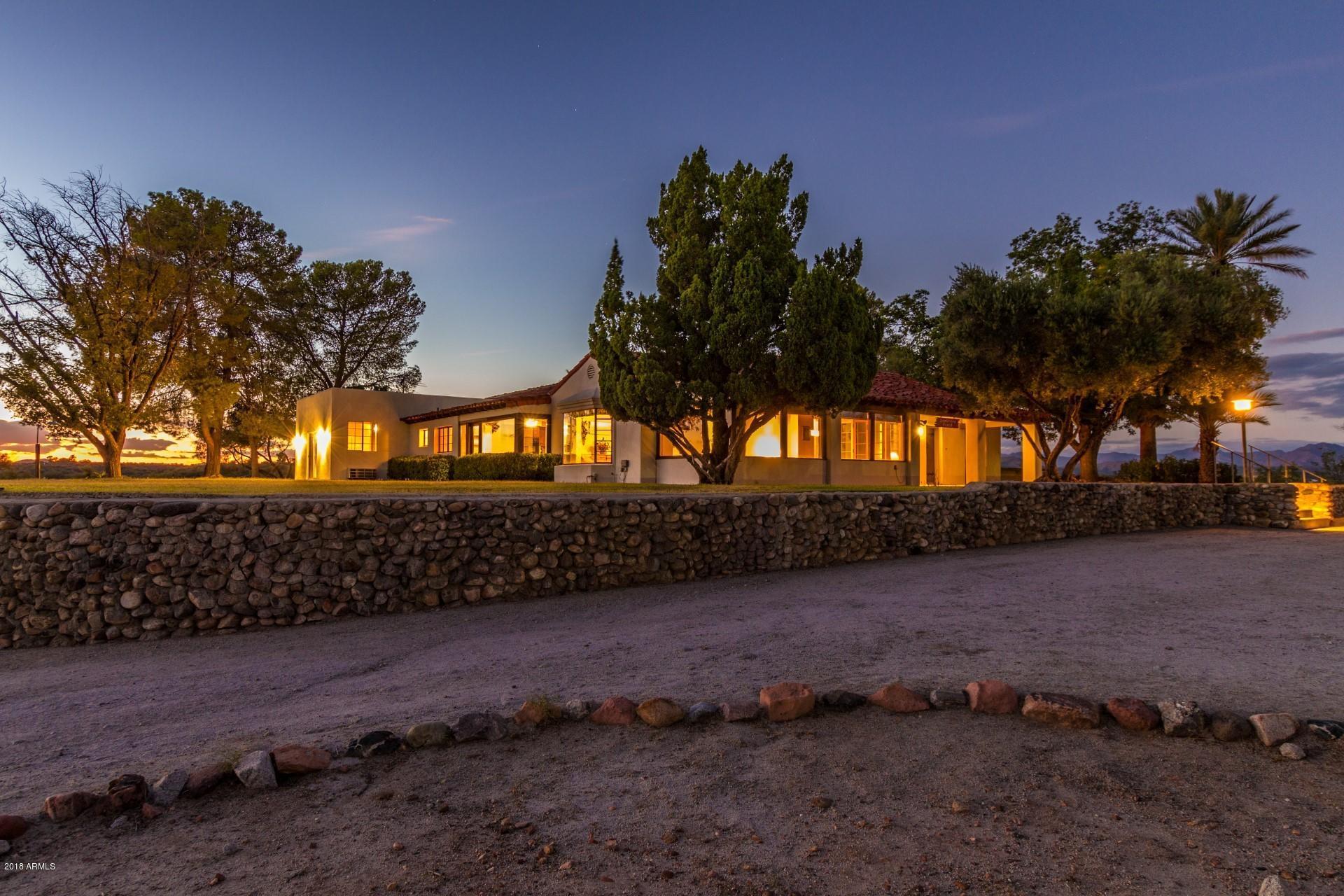 Photo of 750 W BRALLIAR Road, Wickenburg, AZ 85390