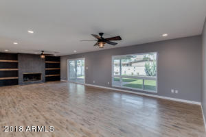 8730 E MONTECITO Avenue, Scottsdale, AZ 85251