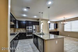 189 W YELLOW WOOD Avenue, San Tan Valley, AZ 85140