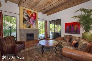 2548 E VERMONT Avenue, Phoenix, AZ 85016