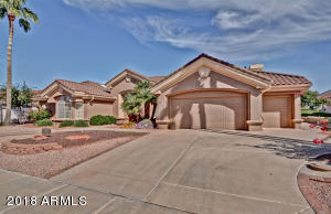 LUXURY AT IT'S BEST ON THE GOLF COURSE~UPDATED THRU-OUT~3RD BEDROOM OPTION~LOW TAXES