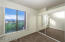 Large closet / Wood shutters / Great 4 peaks views from the guest room