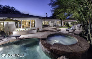 Beautiful backyard oasis!