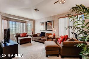 6414 N 67TH Drive, Glendale, AZ 85303