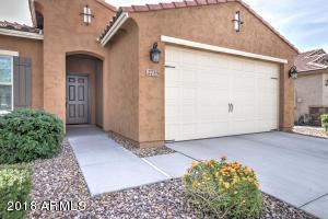 2735 E BELLERIVE Drive, Gilbert, AZ 85298
