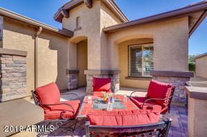 324 W TWIN PEAKS Parkway, San Tan Valley, AZ 85143