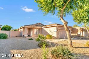Welcome home to this cute, clean 3bd/2ba in Gilbert!