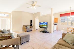 3676 E FEATHER Avenue, Gilbert, AZ 85234