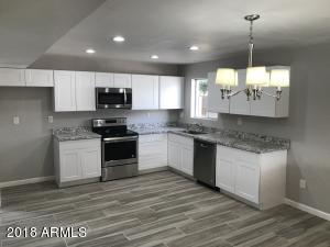 2918 W SUNNYSIDE Drive, Phoenix, AZ 85029