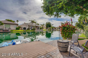 4 Bed 2.5 Bath Lakefront home in Ocotillo, Chandler For Sale