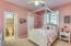 Guest bedroom 1.