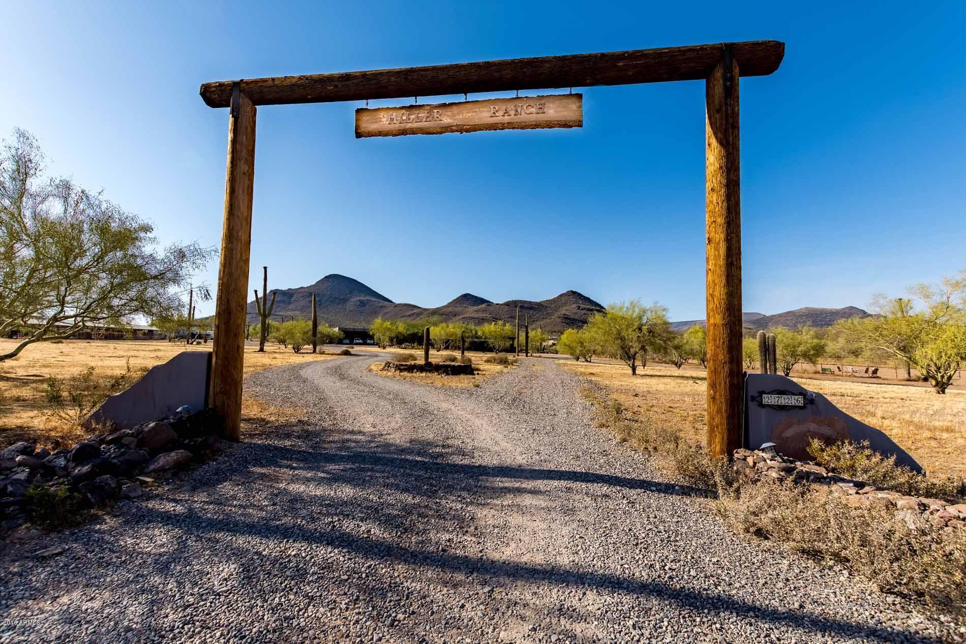 2726 E Saddle Mountain Road