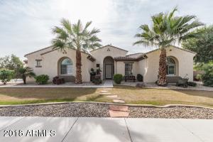 8027 W LUKE Avenue, Glendale, AZ 85303