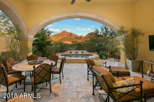 Dramatic McDowell Mountain views from the resort like backyard.