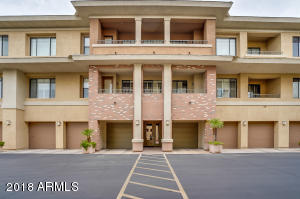 Built in 2005, this Phoenix one-story is located in a well-kept neighborhood and offers granite kitchen countertops, a fireplace, and a one-car garage. Upgraded features include fresh interior paint and new carpet throughout. Private courtyards and a community pool are part of the HOA